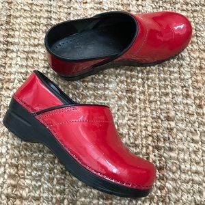 Dansko Clogs Shoes Red Apple Shiny Leather Women's